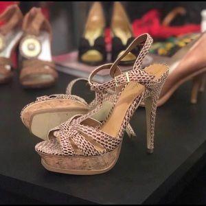 Shoes - Brown Platforms 🙌🏽🙌🏽🙌🏽🙌🏽